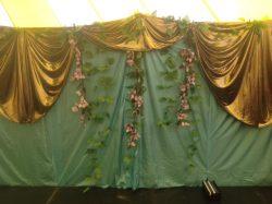 decor-gold-backdrop
