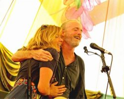 Travis-and-Sally-Howell-glastonbury-festival